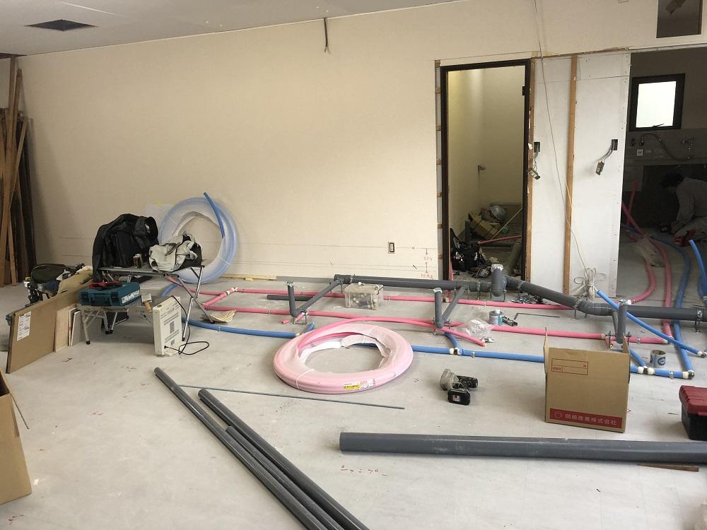 美容室 配管と解体
